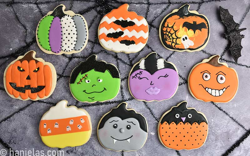 Pumpkin decorated cookies for Halloween.