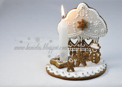 Cupcake Gingerbread Centerpiece