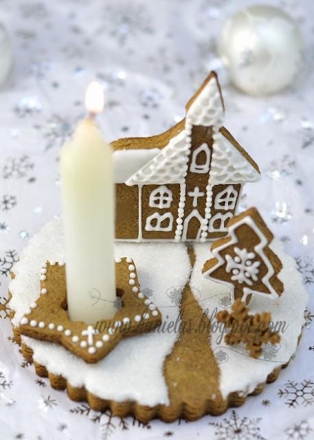 Church Gingerbread Centerpiece