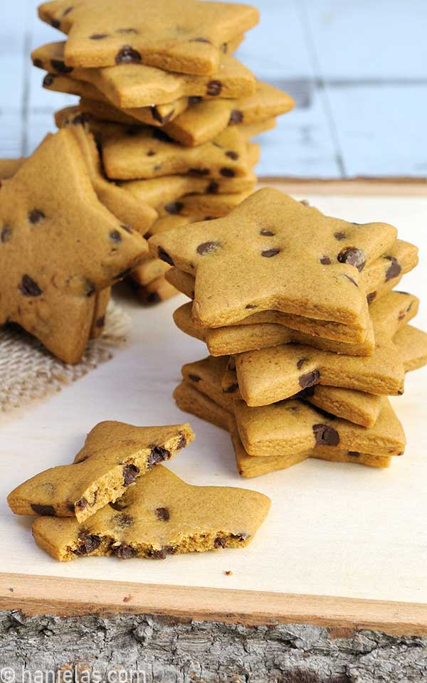 Star shaped cookies with chocolate chips inside.