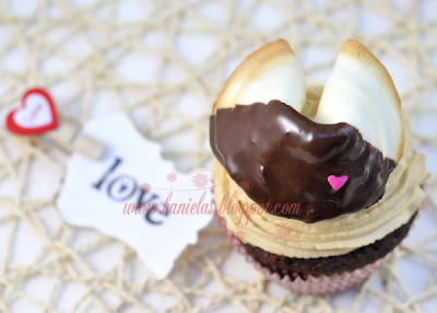 Be My Fortune Cookie Cupcake