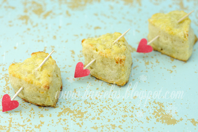 Valentine Heart With Arrow Cheese Biscuits
