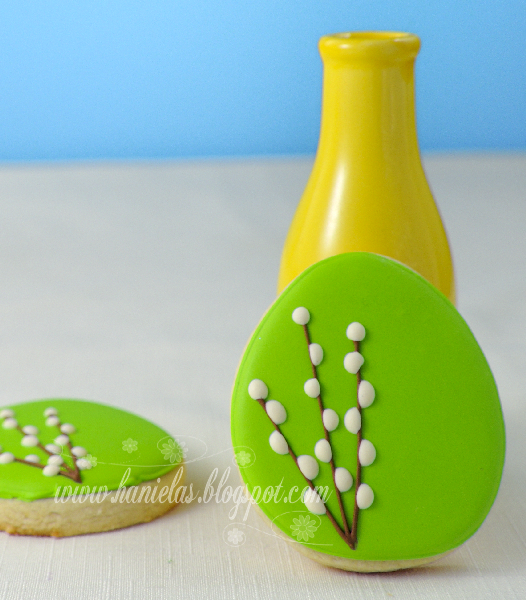 Green and White Easter Cookies