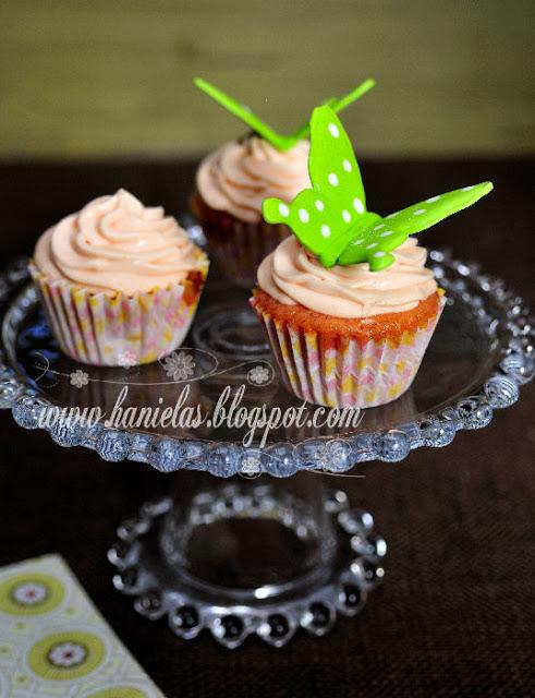 Double Peach Cupcakes