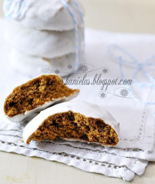 Gingerbread | Lebkuchen Cookies with Fresh Lemon Glaze