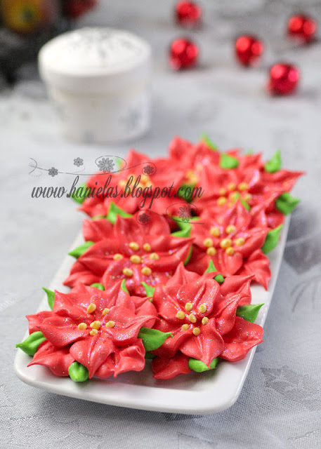 Christmas Poinsettia Meringues