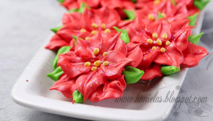 Christmas Poinsettia Meringues Haniela S Recipes Cookie Cake