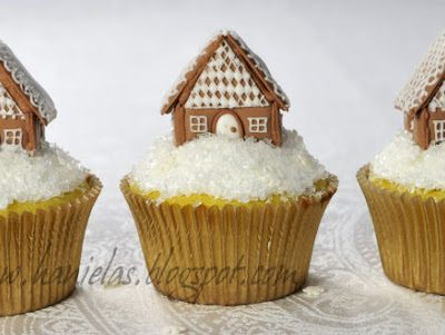 ~Gingerbread House Cupcakes Tutorial~
