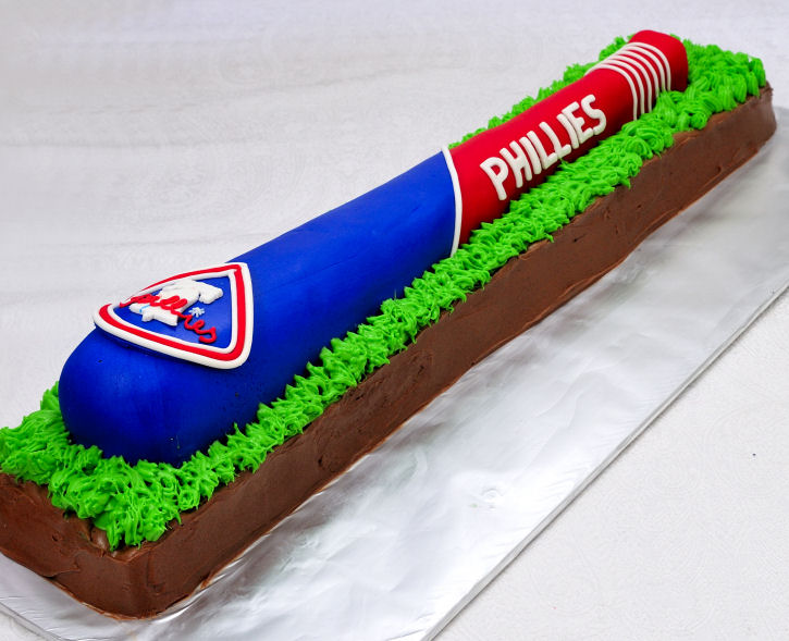 Magnificent Philadelphia Phillies Baseball Bat Cake Hanielas Recipes Funny Birthday Cards Online Overcheapnameinfo