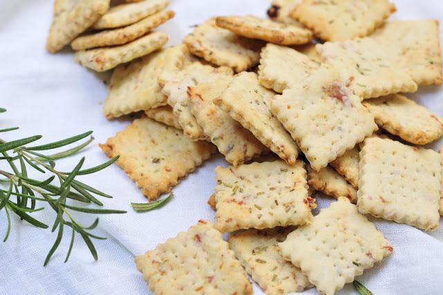 Rosemary Prosciutto Crackers