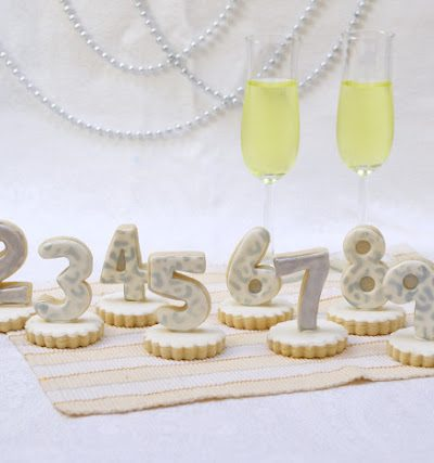 New Year's Eve Countdown Cookie Centerpiece