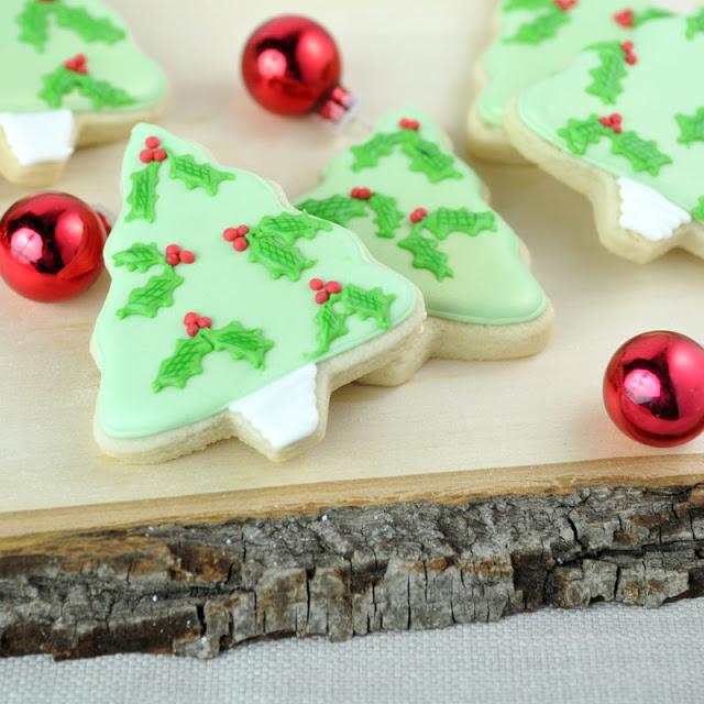 Christmas Holly Tree Cookies