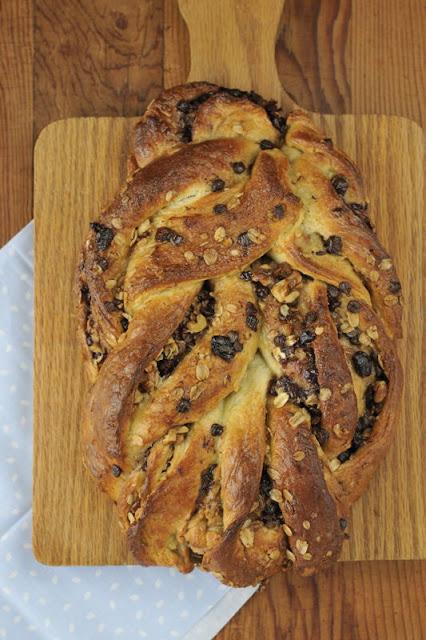 Cinnamon Walnut Oat Twist Bread