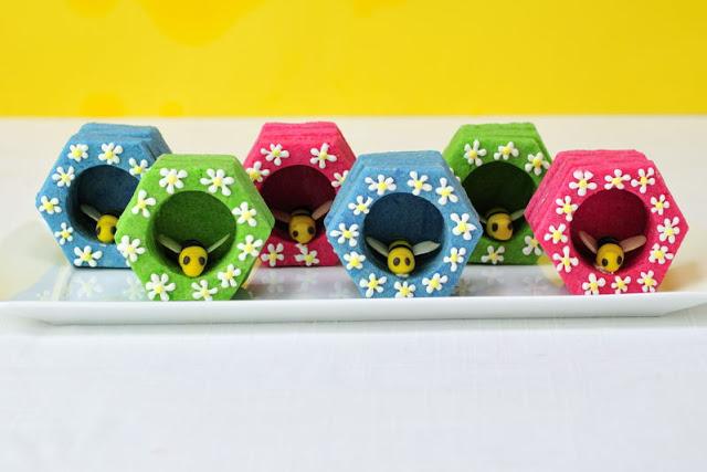3D Honeycomb Bee Cookie