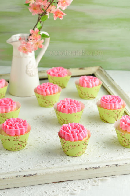 Ruffle Cupcakes and Bella Cupcake Couture Party