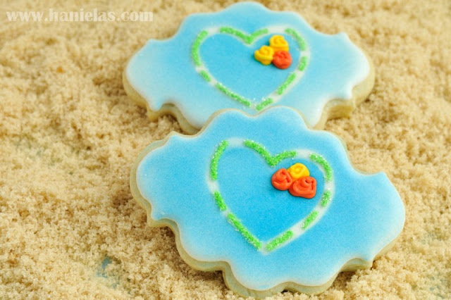 Pretty Cookies with Stenciled Heart and Roses