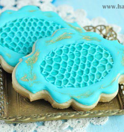 Lace Cookies with Gold Accents