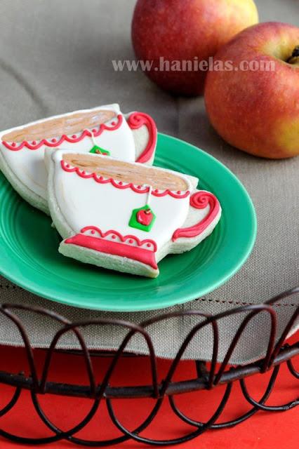 Pretty Apple Tea Cup Cookies