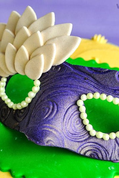 How To Make Gumpaste Mardi Gras Mask