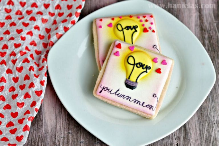 """""""You Turn Me On """" Valentine's Day Cookies"""