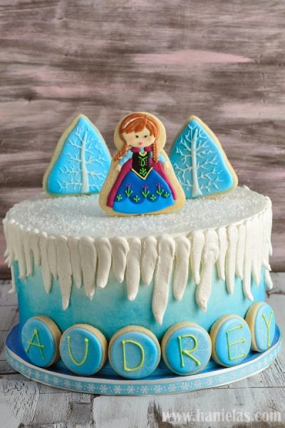Movie Frozen Cake with Cookie Decorations