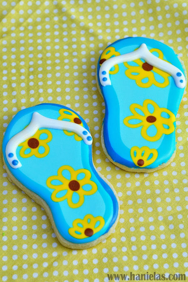 Pretty Flip Flop Cookies with Wet on Wet Royal Icing Technique