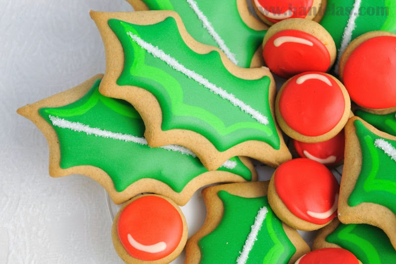 Christmas Holly Cookie Platter Haniela S Recipes Cookie Cake