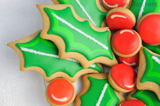Christmas Holly Cookie Platter