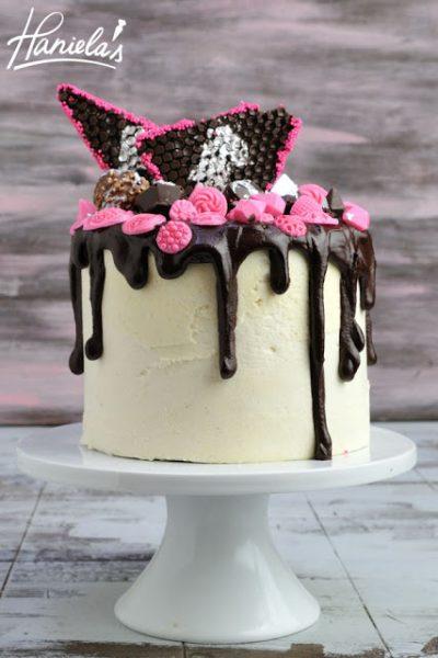 Walnut Sponge Vanilla Cake with Chocolate Diamonds