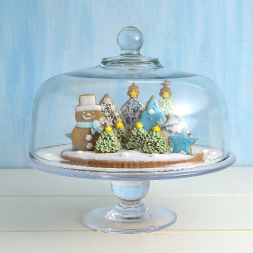 snow globe cookie scene