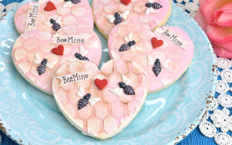 valentine's day bee mine cookies