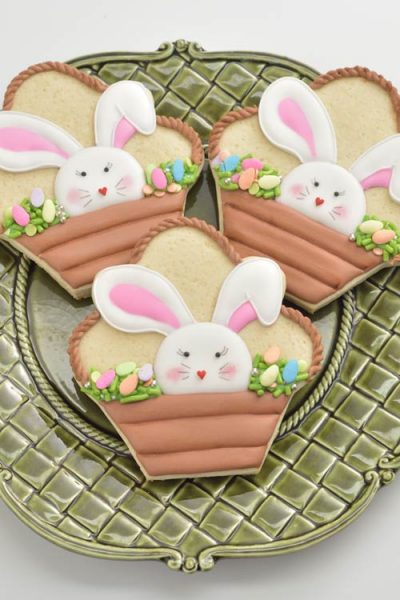 how to decorate Easter Bunny Basket Cookies