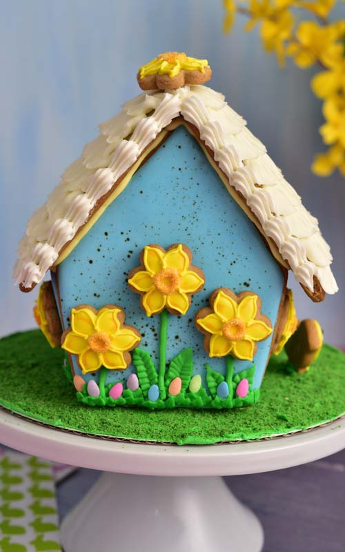 How to decorate beautiful Easter Gingerbread House