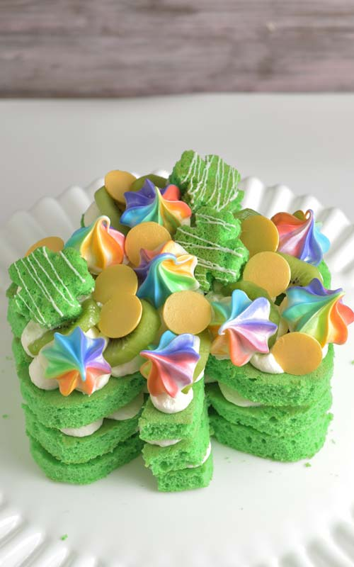 how to make saint patrick's day shamrock layer cake and rainbow meringues kisses