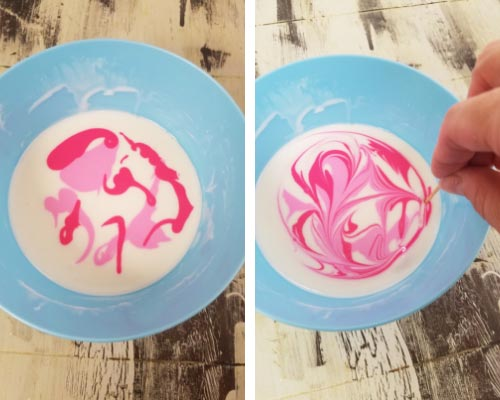 marbling icing with a tootpick
