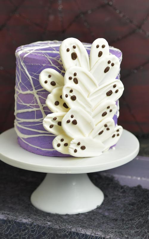 How to make Ghost Brushstroke cake for Halloween