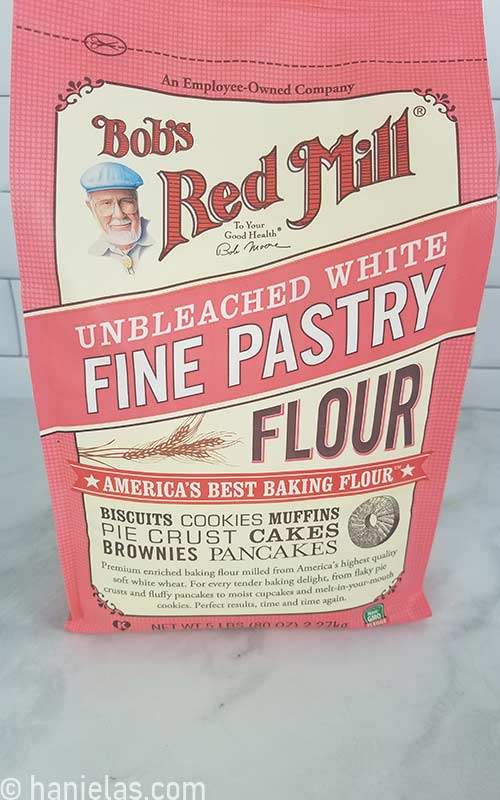 Pastry flour in the packaging.